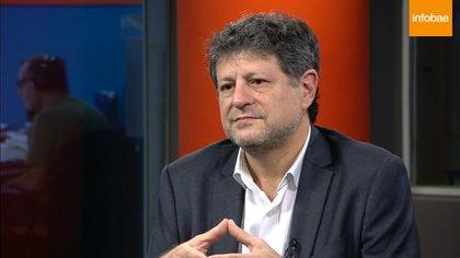 Levy Yeyati visitó los estudios de Infobae TV para realizar una entrevista.