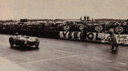 Otro hito: su victoria en las 24 Horas de Le Mans. Es el único argentino en ganar la legendaria carrera francesa (Archivo CORSA).