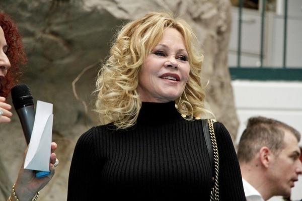 La actriz en Viena tras ser operada haceunas semanas de la nariz por un cáncer de piel (Grosby)