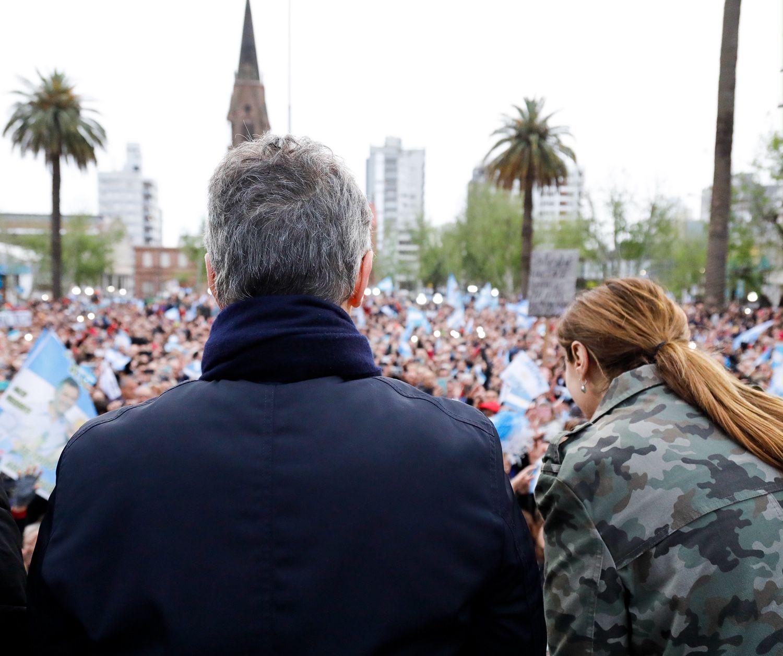 El presidente junto a la gobernadora bonaerense María Eugenia Viadal