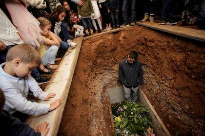 El sepelio de los integrantes de la familia mormona (REUTERS/Jose Luis Gonzalez     TPX IMAGES OF THE DAY)