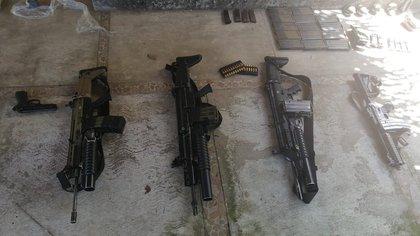 """Granadas, lanzacohetes y armas largas: la FGR vinculó a proceso a tres integrantes del CJNG, entre ellos el """"M3″"""