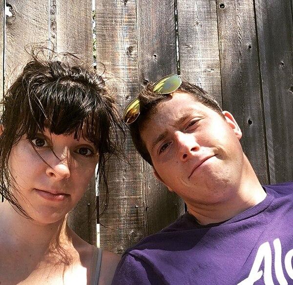 Russell junto a su esposa, Hannah (Facebook)