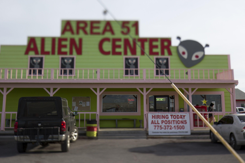 El establecimiento Area 51 Alien Center en el valle Amargosa, en Nevada, a casi 145 kilómetros (90 millas) al norte de Las Vegas. (Foto: Richard Brian/Las Vegas Review-Journal vía AP)
