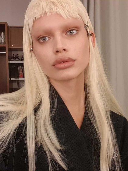 En noviembre de 2016, apareció en la pasarela de la semana de la moda de San Pablo
