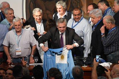 Alberto Fernández, en su visita a la CGT (Maximiliano Luna)