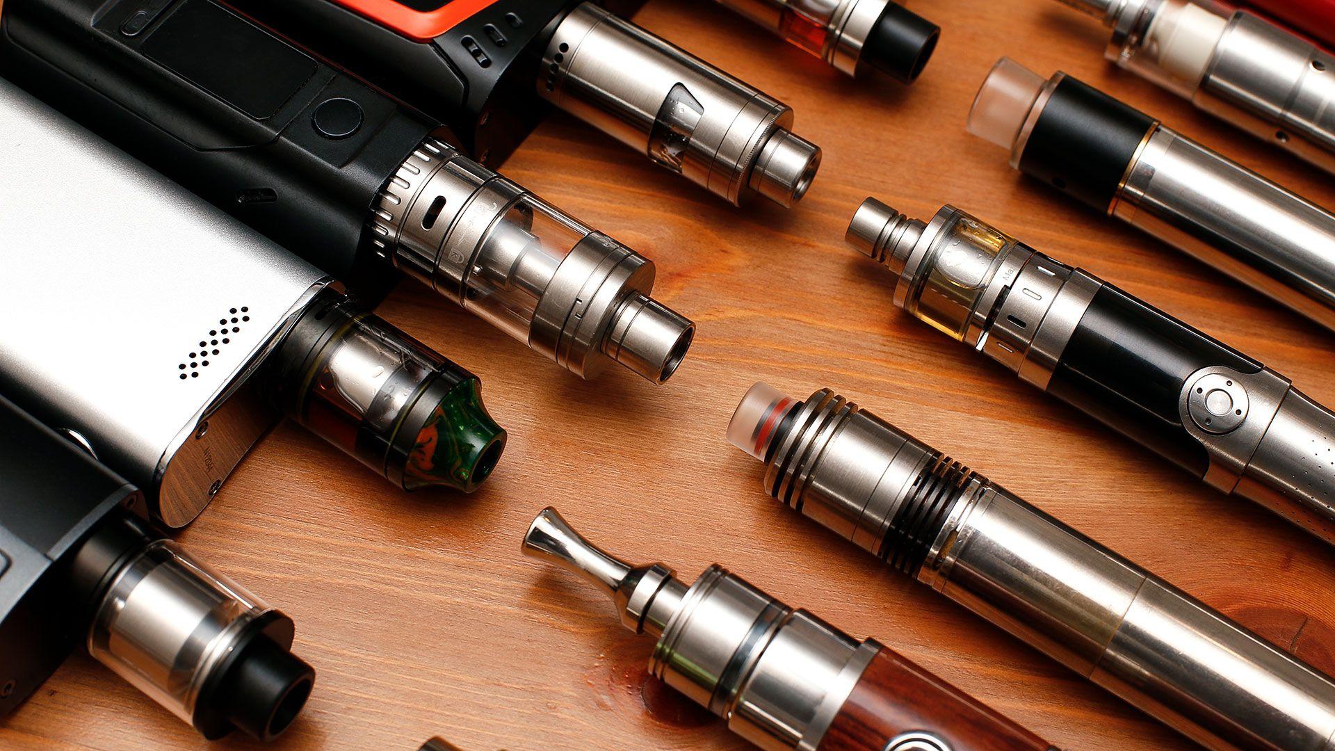 Distintos modelos de vapeadores (Shutterstock)