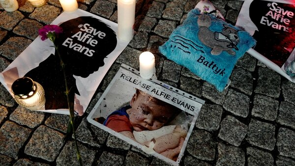 La batalla legal por el bebé conmovió al Reino Unido (Reuters)