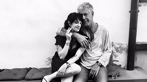 "EL CHEF ANTHONY BOURDAIN SE ""SUICIDÓ"" Anthony-Bourdain_Asia-Argento_5"