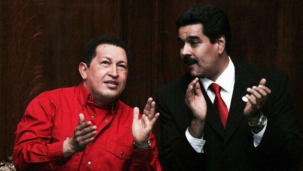 Hugo Chávez y Nicolás Maduro en una foto de 2007. (Getty Images)