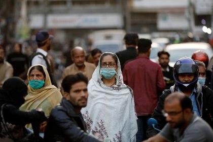 La primera lección del COVID-19 está a la vista: las pandemias pueden suceder y es necesario estar preparados. (REUTERS/Akhtar Soomro)