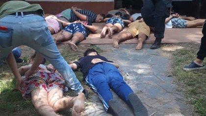 El momento de la detención de los rugbiers, el sábado 18 poco después de las 10 de la mañana