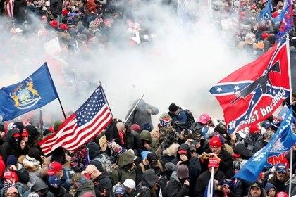 Fuertes disturbios en el Capitolio de EEUU