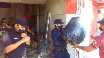 Allanamiento en una de las viviendas de la concejala denunciada en Tartagal por el desvío de donaciones.