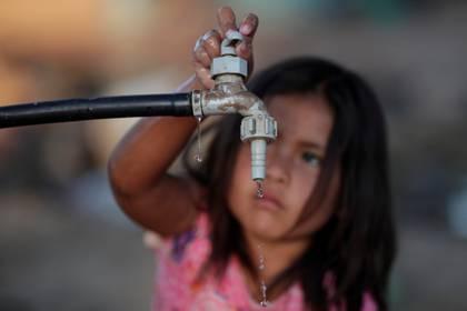 Una niña de la comunidad Wichi, en Salta, Argentina (Reuters)