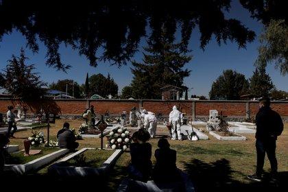 México superó las 150,000 muertes por COVID-19 (Foto: Reuters / Carlos Jasso)
