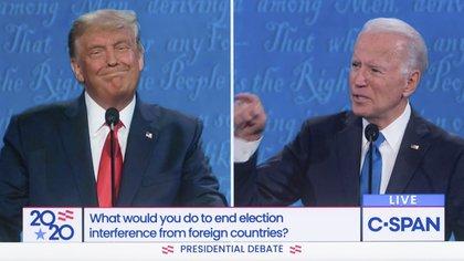 El presidente Donald Trump y el candidato demócrata Joe Biden enfrentados en el segundo y último debate con vistas a las elecciones del 3 de noviembre. Un evento que fue seguido con atención en todo el mundo. C-SPAN / ZUMA PRESS / CONTACTOPHOTO