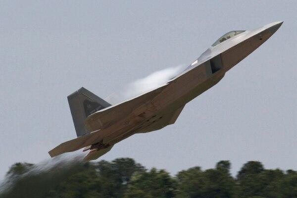 El caza furtivo F-22 Raptor, de la Lockheed-Martin (AP)