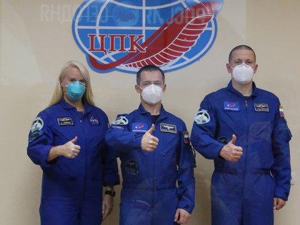 Sólo 3 horas: llega nave rusa en tiempo récord a Estación Espacial