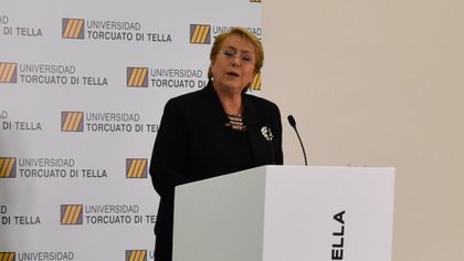 """Michelle Bachelet ofreció la conferencia """"Chile, hacia una economía sustentable"""" en la Universidad Torcuato di Tella en Buenos Aires, Argentina (Cortesía UTDT)"""