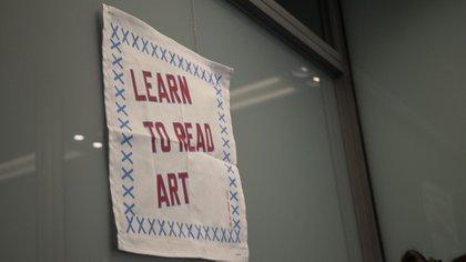 """""""Aprenda a leer el arte"""", una declaración de principios en la oficina de Rangel"""