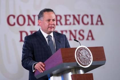 El titular dela UIF, Santiago Nieto, fue quien dio a conocer el esquema fraudulento al interior del Infonavit. (Foto: Cortesía Presidencia)