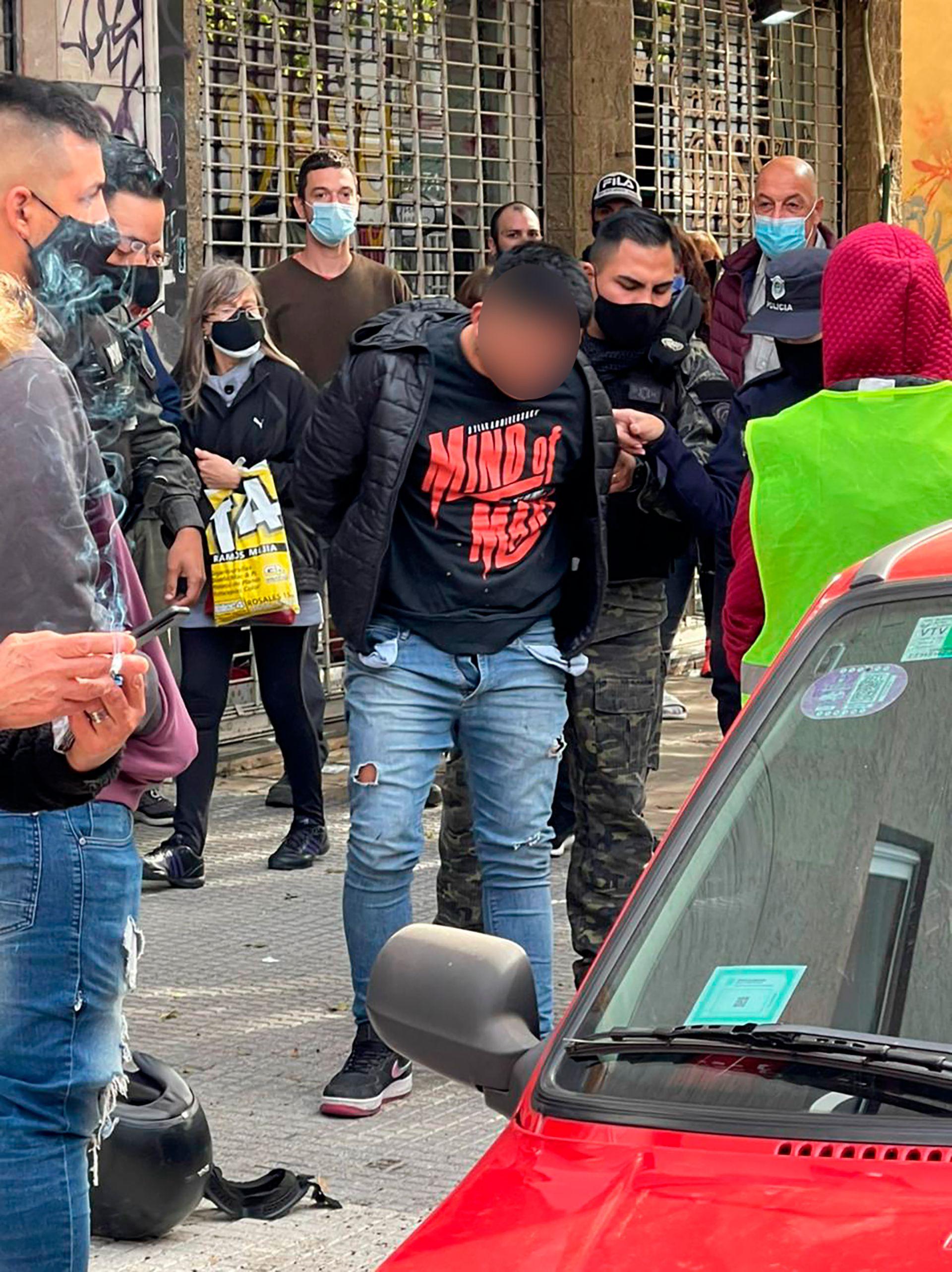 Vecinos de Ramos Mejía persiguieron y atraparon a dos motochorros tras una brutal golpiza