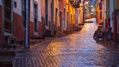 La ciudad de Guanajuto es famosa por sus coloridos callejones (Foto: Especial)