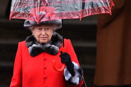 """Con esta frase latina """"annus horribilis"""" (año horrible), la reina Isabel II definió al año 1992. Carlos y Andrés se separaron de sus esposas, Ana se divorció y un incendio grave destruyó parte delcastillo de Windsor"""