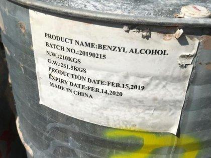 Un contenedor de fentanilo disfrazado de alcohol de bencílio (Foto: Especial)