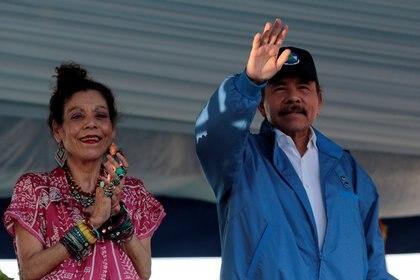 Daniel Ortega y su esposa, la vicepresidente Rosario Murillo (REUTERS/Oswaldo Rivas)