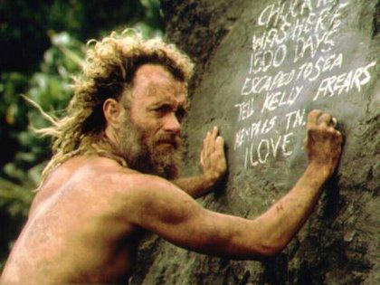"""Tom Hanks tenía la intención de llevar a la pantalla grande una historia que tuviera lugar en una isla desierta desde mediados de los '90. En """"Náufrago"""", además de protagonista, fue productor (Imdb)"""