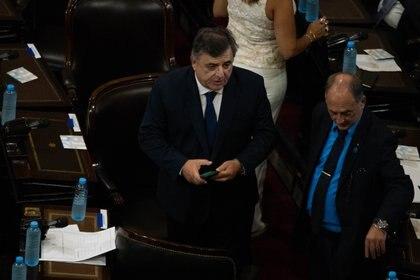 El diputado Negri hizo un homenaje a Raúl Alfonsín y fue aplaudido por todos los diputados