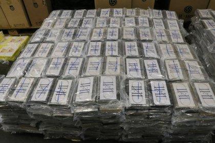 Parte de la cocaína incautada en Alemania en 2019, y que provenía de Uruguay (German Custom via AP, Archivo)