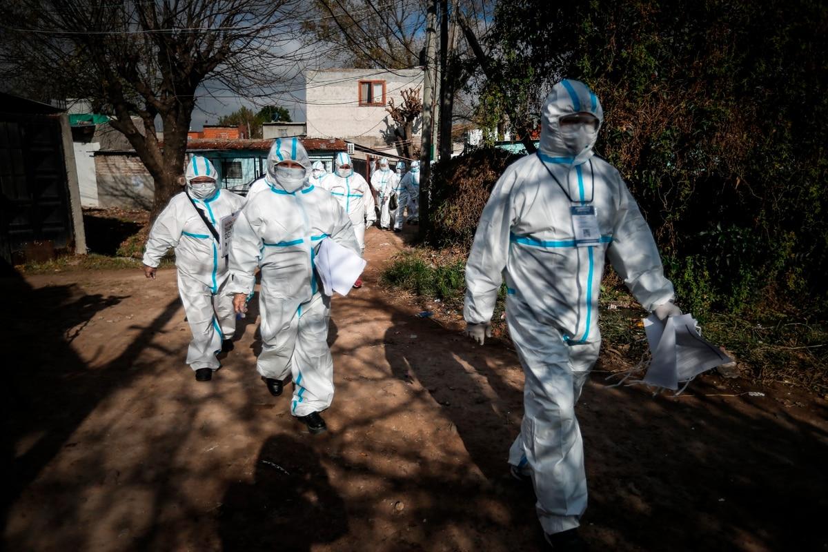 Volvieron a subir los casos de coronavirus en la Argentina: hubo 949 contagios y 14 muertes en las últimas 24 horas - Infobae