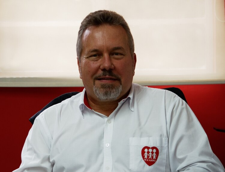 El sacerdote jesuita Carlos Fritzen, coordinador general de la Federación Internacional de Fe y Alegría, anticipó el encuentro de Miami a Infobae.