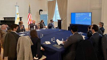 Ejecutivos de fondos de inversión manifestaron su reclamo por cómo encaró Guzmán los encuentros en Wall Street y su escepticismo por los próximos pasos de gestión económica del Gobierno nacional.