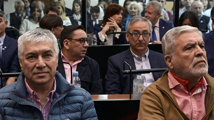 Lázaro Báez y Julio De Vido (Photo by JUAN MABROMATA / AFP)