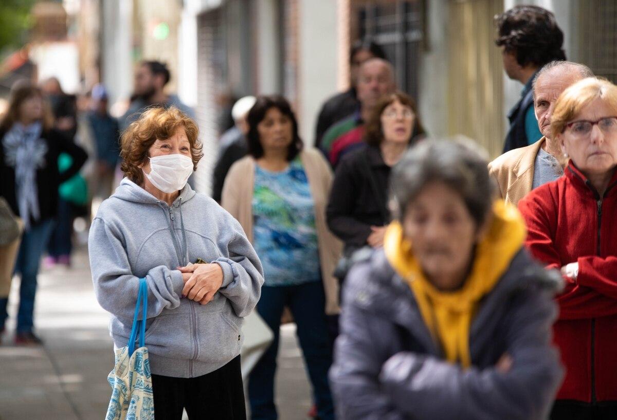 Confirmaron una nueva muerte por coronavirus en la Argentina y 98 contagios en las últimas 24 horas - Infobae