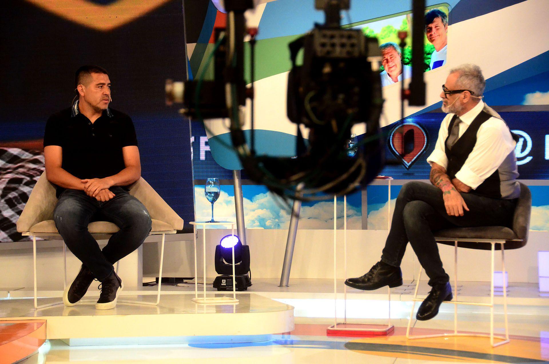 Riquelme brindó la última entrevista formal en el programa Intrusos de América TV (Matías Arbotto)