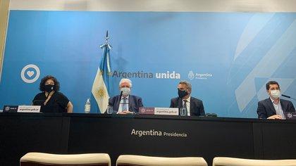 Conferencia de prensa Ginés González García. Inicio del plan de vacunación