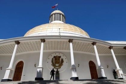 """Maduro llamó a instalar la """"nueva"""" Asamblea Nacional el próximo 5 de enero, tras las fraudulentas elecciones parlamentarias (REUTERS/Manaure Quintero)"""
