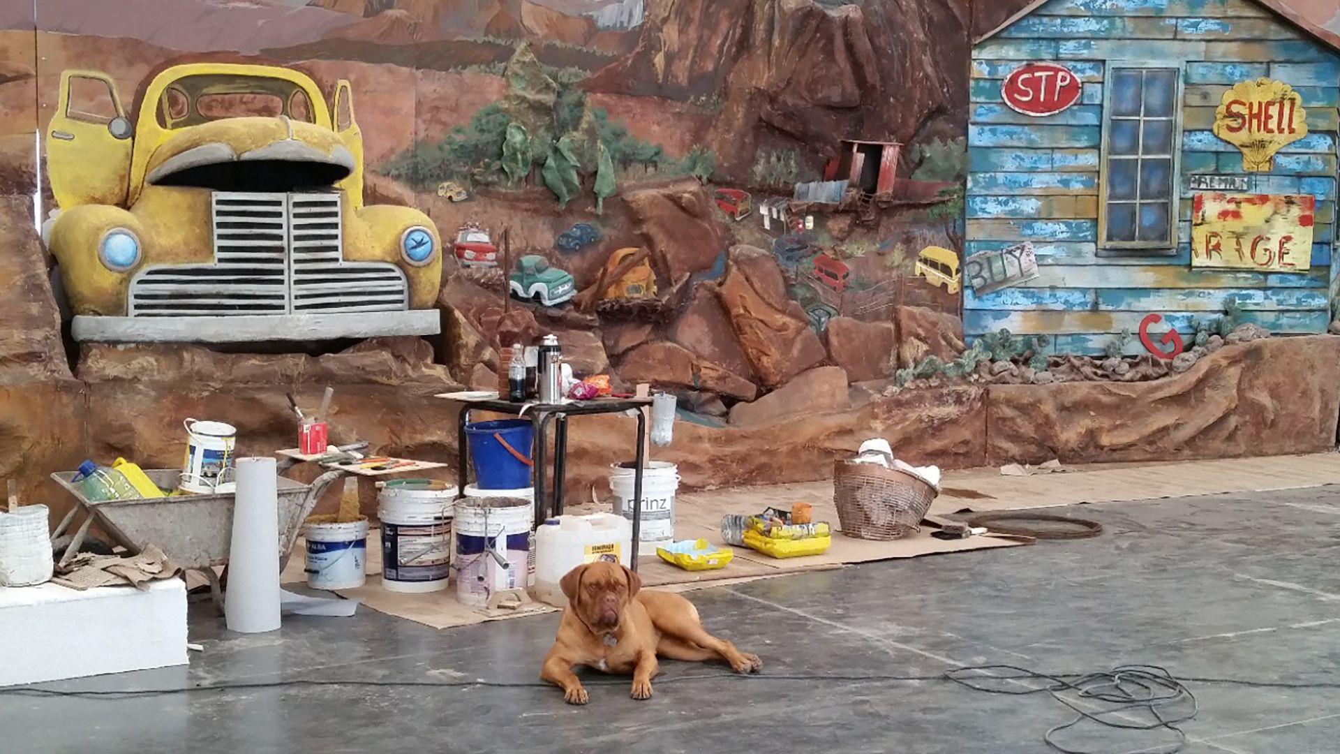 Muchos de los murales de Álvaro Lavista Llanos son 3D y muy escenográficos. Además de su trabajo en bares y casas particulares trabajó en la película 'Lucky Luke'