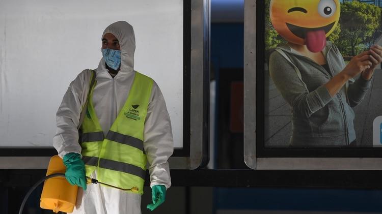 También se desinfectaron los andenes y las instalaciones de la terminal