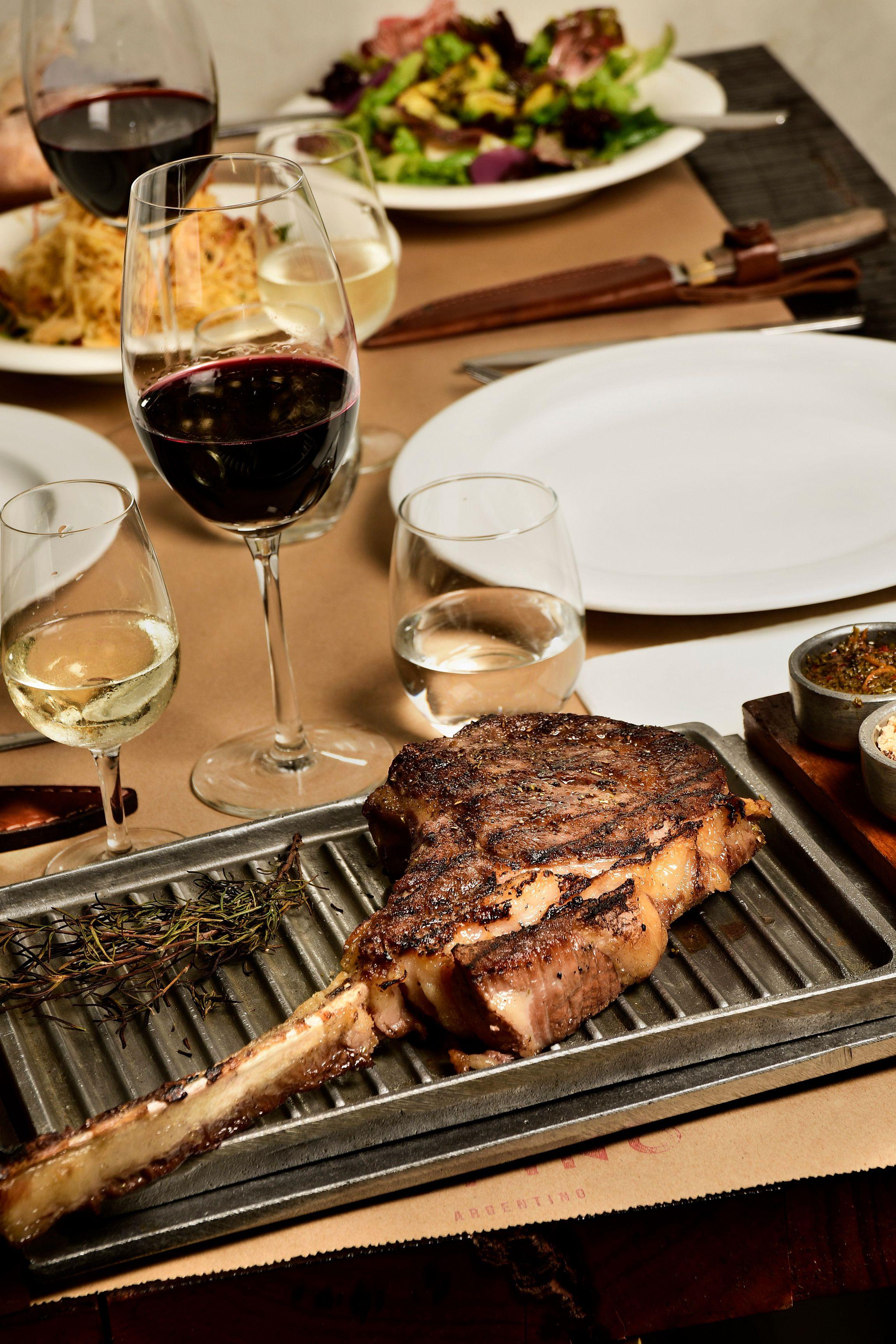 Rufino apuesta a un redescubrimiento de los platos más argentinos, especialmente en la carne
