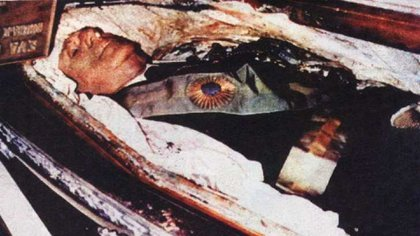 La foto del cuerpo del general Perón