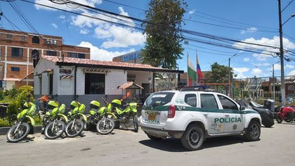 Soacha Police Station, where nine inmates died in a fire, presumably because police officers did not respond to their calls for help.  (Courtesy Gustavo Roa - Q'hubo Bogotá)