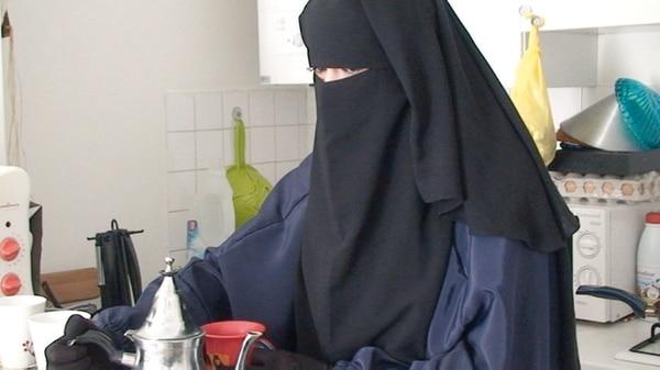 En 2012 abandonó a sus hijos y su hogar en Francia para viajar a Siria y casarse con un combatiente del ISIS
