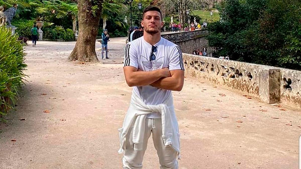 Escándalo con una figura del Real Madrid: Jovic incumplió la cuarentena obligatoria, escapó a Serbia y podría ser detenido