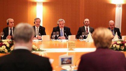 Alberto Fernández durante su encuentro con Angela Merkel, en Berlín